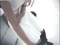 【H動画】 【アダルト動画】小町娘 でスマート!!胸元がパックリ空いたSHOPショップスタッフを狙い、スイカップ胸チラを覗き見!!ブラが浮き乳ネックまで!