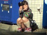 【エロ動画】 【アダルト動画】《 覗き見ムービー 》コレは凄い!!!!!!街中で私服や通学服のJC達のスカート内のおぱんちゅを接写隠し撮り!!!