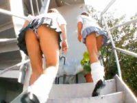 【エロ動画】 【アダルト動画】《 盗み見movie 》階段を登る今時ギャル学生の親友がミニスカート内を逆さ撮り!!!食い込み下着がモロ見え★★★