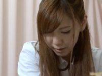 【エロ動画】 【アダルト動画】入院患者をあん摩する女医さん!荒々しくボッキした患者にハンドサービスでサービス
