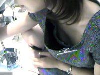 【H動画】 【アダルト動画】【 覗き見movie 】小型カメラを使い、服屋のキャワワショップ店員さんの胸チラ隠し撮り☆この臨場感に興奮☆☆☆