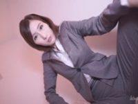 【JULIA】 【アダルト動画】尻軽女刑事 巨乳乳房押しつけ手コ責め拷問♪JULIA