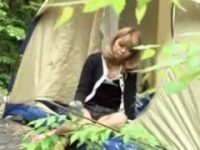 【アダルト動画】 【アダルト動画】キャンプで酒飲みすぎて酔っ払いしてる黒GALをテントの中でレ◯プしたった