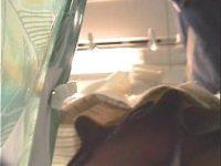 【H動画】 【アダルト動画】ミニスカユニフォーム今時ギャルを狙い、満員トレイン内で逆さ撮り隠し撮り★ウブなアソコに食い込むモロパンが素晴らしい。