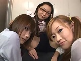 【H動画】 【アダルト動画】エロエロなプレイガール3人組に下半身3点責めされるエム男
