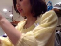 【無料エロ動画】 【アダルト動画】レベル高すぎ。小町娘 なぎゃるSHOP店員の下着を完璧にとらえたエロ過ぎるはみパン覗き見映像。
