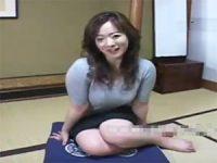 【無料エロ動画】 【アダルト動画】ちんこを見てるだけで猥褻な表情に変わる31歳家内さん浜村さん