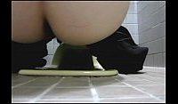 【アダルト動画】 【アダルト動画】公衆WCでオシッコする女子高生を発見したのでドアの隙間からオシッコシーンを盗み見★