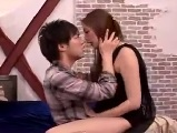 【アダルト動画】 【アダルト動画】若いイケメンMENSと濃いHで喘ぐ人妻