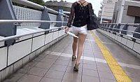 【アダルト動画】 【アダルト動画】エロ過ぎるホット下着姿で街を練り歩くぎゃるを発見したのでしつこくストーカーして覗き見するヘンタイ男w