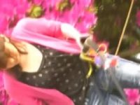 【エッチ動画】 【アダルト動画】公園でチルドレンを遊ばせて隙だらけになっている若奥様の爆乳おぱーいを隠し撮り成功w