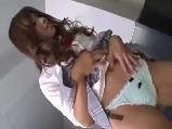 【エロ動画】 【アダルト動画】パンモロを覗き見していた用務員に無理やり顔面騎乗で制裁するGAL女子校生