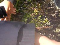 【無料エロ動画】 【アダルト動画】学園帰りに公園のベンチに座ってズッ友とお喋りしてるユニフォーム女子校生のパンモロをこっそり覗き見!