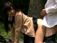 【H動画】 【アダルト動画】【青姦隠し撮りmovie】おマネーが惜しい学生カップルが真昼日中から公園の茂みの中で着衣えっち♪♪♪