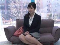 【エロ動画】 【アダルト動画】おしゃぶりチオ最中にザー汁が暴発して動揺する社会人1年目のお嬢さん