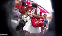 【エロ動画】 【アダルト動画】人混みの中で◯学生みたいなロリータ幼女のミニスカの中を逆さ撮り。