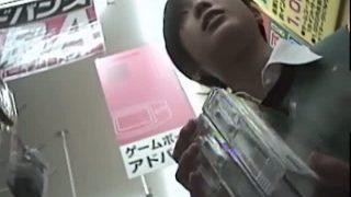 【エロ動画】 【アダルト動画】遊戯ショップや雑貨屋で商品を選んでるS級素人女性を逆さ撮り下着隠し撮り!!!
