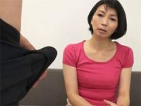 【エロ動画】 【アダルト動画】「近くで見て良いですか?」至近距離での自慰鑑賞に制御不能になる50代中年女性